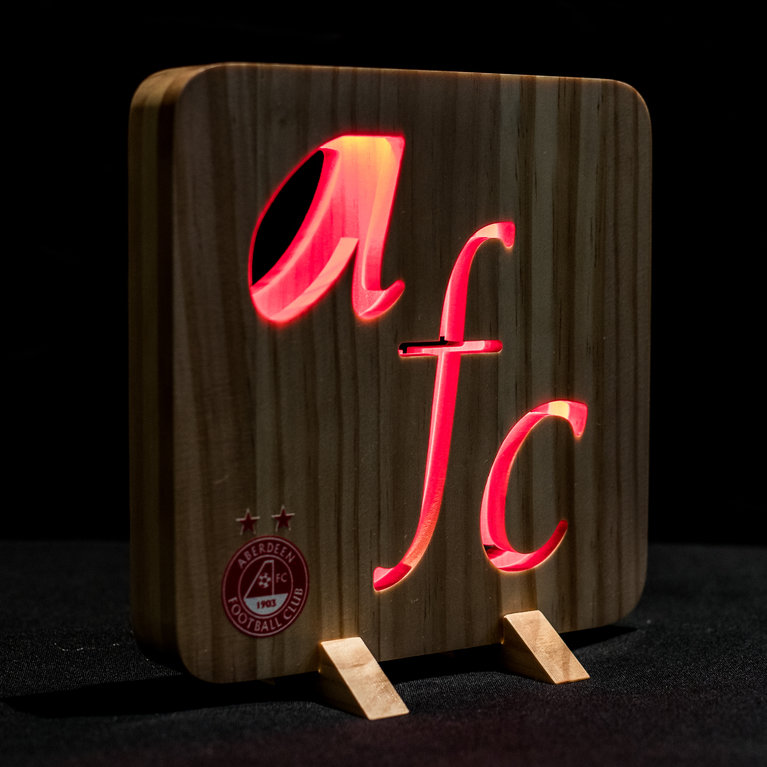 CUT OUT WOODEN NIGHT LIGHT RED