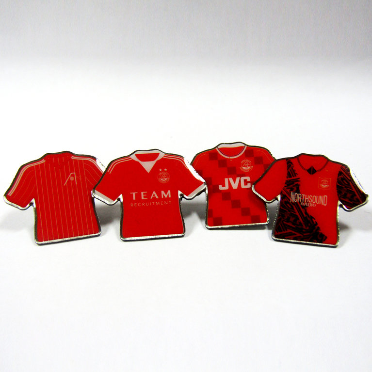 RETRO SHIRT PINBADGE SET