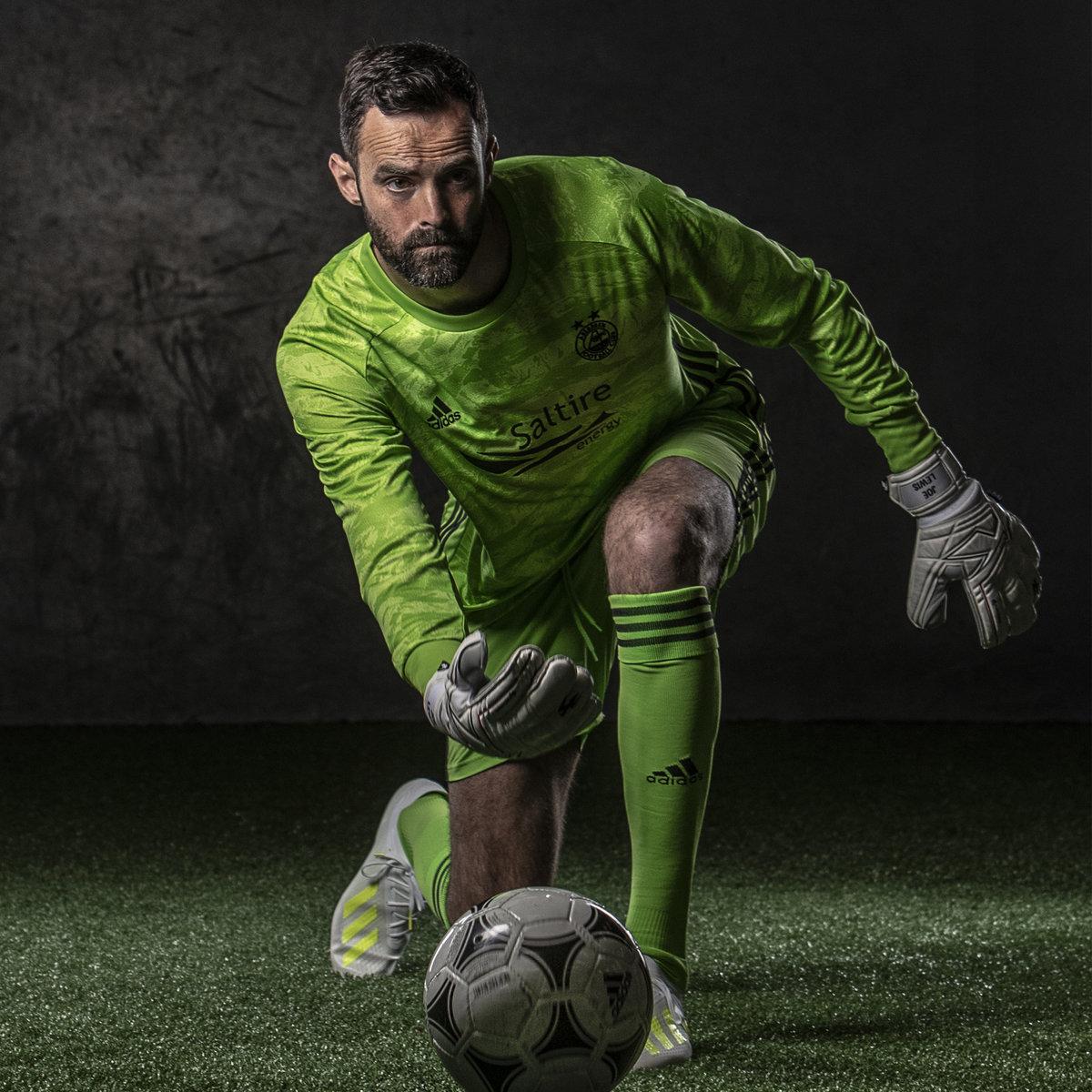 fe0daaa32ca 2019/20 HOME GK SOCK - 2019/20 GoalKeeper Kit | Aberdeen FC